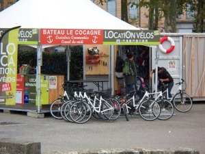 Bicycle rental by the Canal-du-Midi
