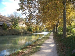 Canal-du-Midi walking path