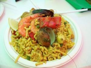 Fresh seafood Fideuà