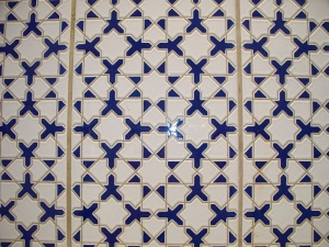 Blue and white tiles in the kitchen
