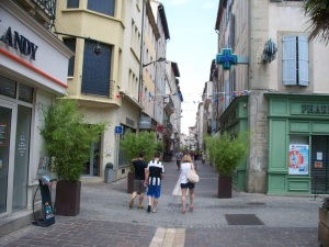 Pedestrian shopping street in Carcassonne