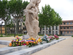 Flowers at the Monument of the Resistance, Square Gambetta